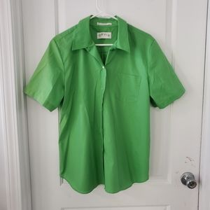 3/$25 sale Orvis green wrinkle free shirt …